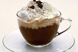 Кофе по-венски с взбитыми сливками