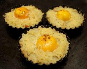 Гнездышки картофельные с яйцом